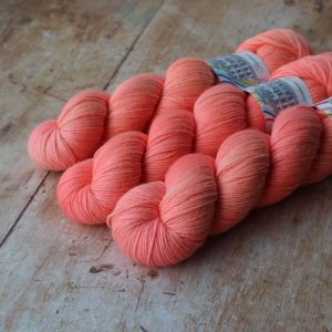 Poolbeg Sport - Peach Marguerite